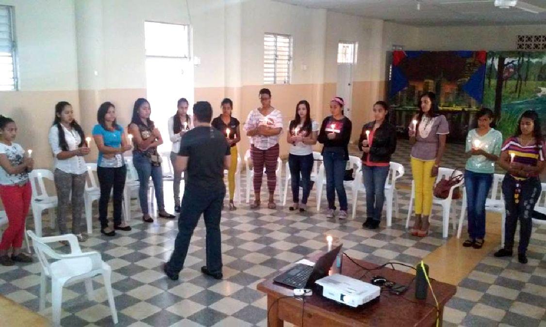 primer-curso-taller-prevencion-suicidios-11